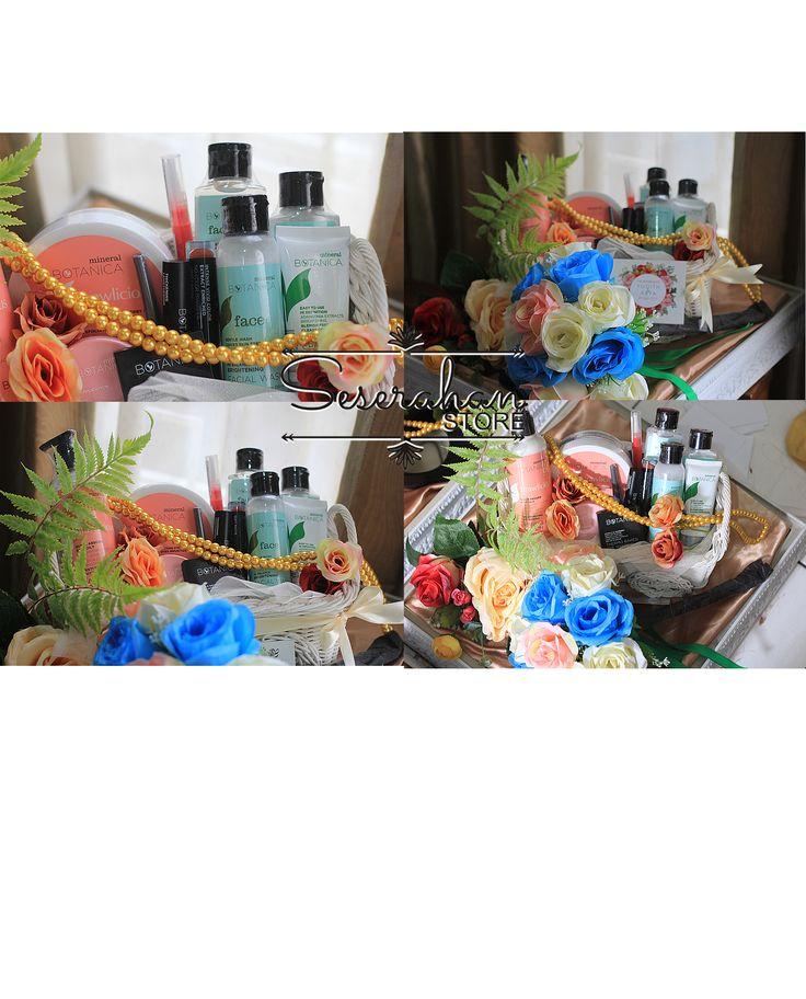 Contoh TRAY REGULAR (ukir putih/ SNOWY TRAY)   Selain sewa paket jumlah banyak bisa juga sewa satuan, tutup menggunakan bahan akrilik baik sewa paket maupun satuan mulai dari paket REGULAR, RUSTIC dan PREMIUM.  FASILITAS yang di dapat untuk SEWA PAKET: -tema warna alas (kain,bruklat, rumput/burlap) -tema bunga (menggunakan artificial flower premium) -display perhiasan (full set menekin/satuan, terarium, box kayu, kayu bulat dan display box bahan kaca) -label ucapan/ nama calon groom bride to…