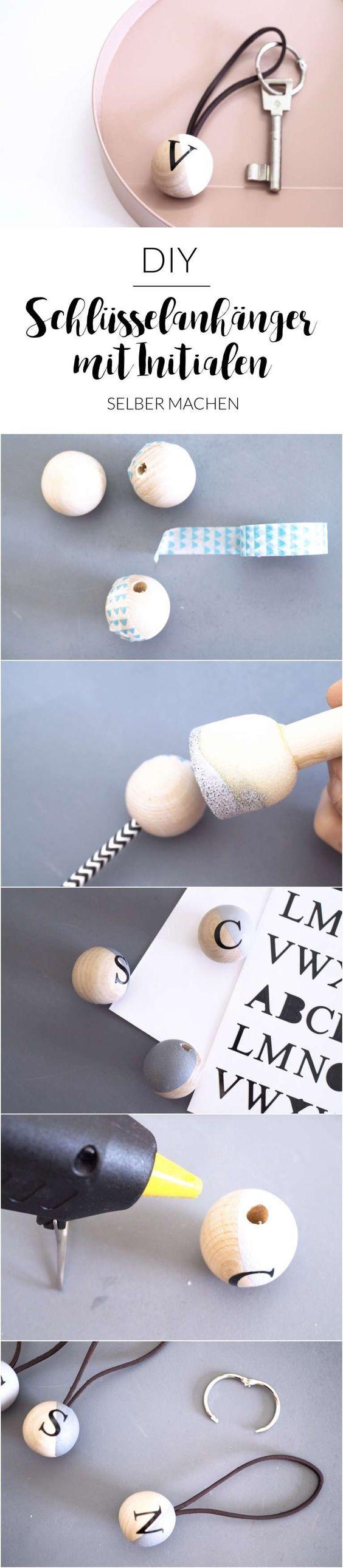 Schöne DIY-Schlüsselanhänger aus Holz und Leder mit den Initialen deiner Mama | Muttertags Ideen | DIY Ideen zum Muttertag | Geschenke zum Muttertag selber machen
