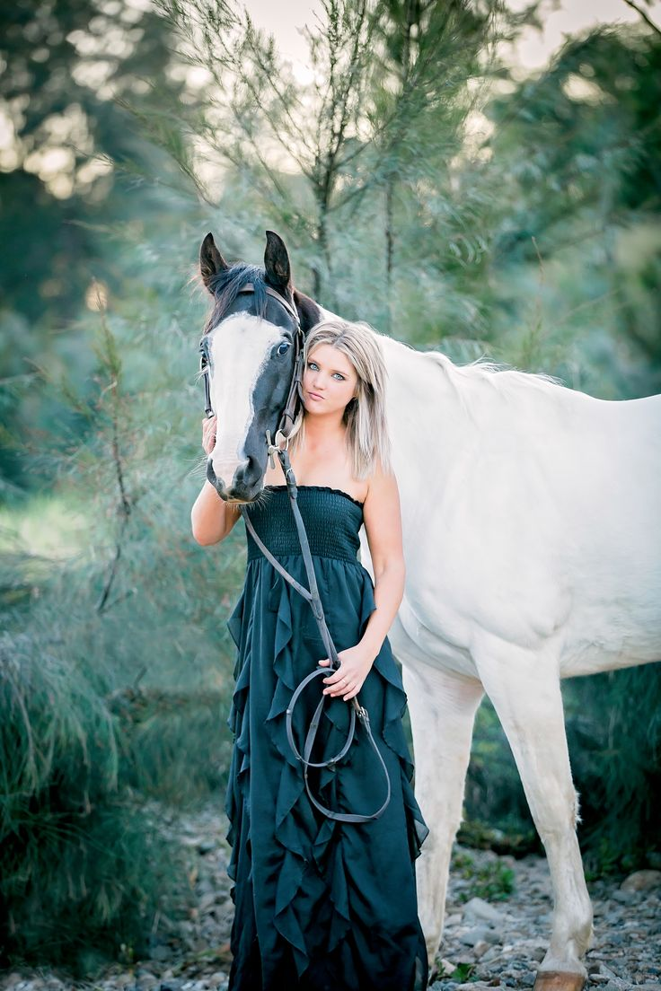 Brisbane Photographer - Raw Design, Equine photography, horse shoot, horse & owner pose