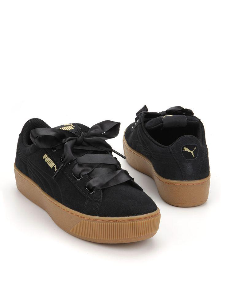 Puma sneaker  Description: Zwarte sneakers van Puma. Deze damesschoenen hebben een bovenwerk gemaakt van leer. De binnenvoering is gemaakt van textiel en hebben een kunststof zool.  Price: 69.99  Meer informatie