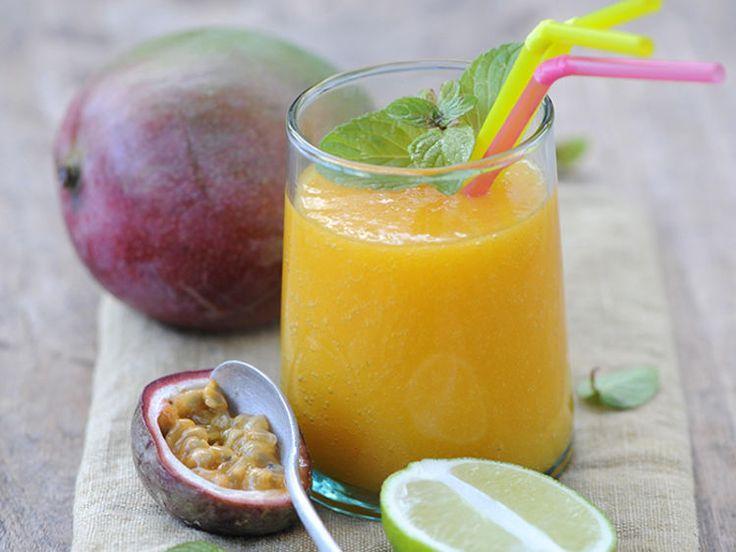 Découvrez la recette Smoothie aux fruits exotiques sur cuisineactuelle.fr.