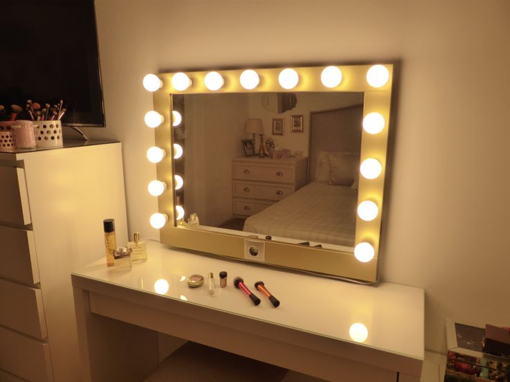 hollywood lighted vanity mirror large makeup mirror with lights perfect for ikea malm vanity. Black Bedroom Furniture Sets. Home Design Ideas