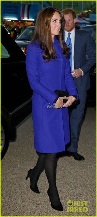 Kate Middleton at World Rugby Cup Opening Ceremony : Kate looked beautiful in a blue Reiss coat with stand-up collar, black leggings, Stuart Weitzman heels and clutch. Her simple hair and makeup completed the look. Very elegant!