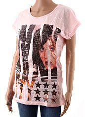 Dámske tričko M.H.Y. ružové  Tenšie letné predĺžené dámske tričko s krátkym rukávom s potlačou ženskej tváre vo veľkých písmenách. Tričko je ušité zo 100% bavlny, ružová látka je jemne priesvitná.  http://www.yolo.sk/damske-tricka-bluzky-kratky-rukav/ruzove-damske-tricko-s-kratkym-rukavom-mhy