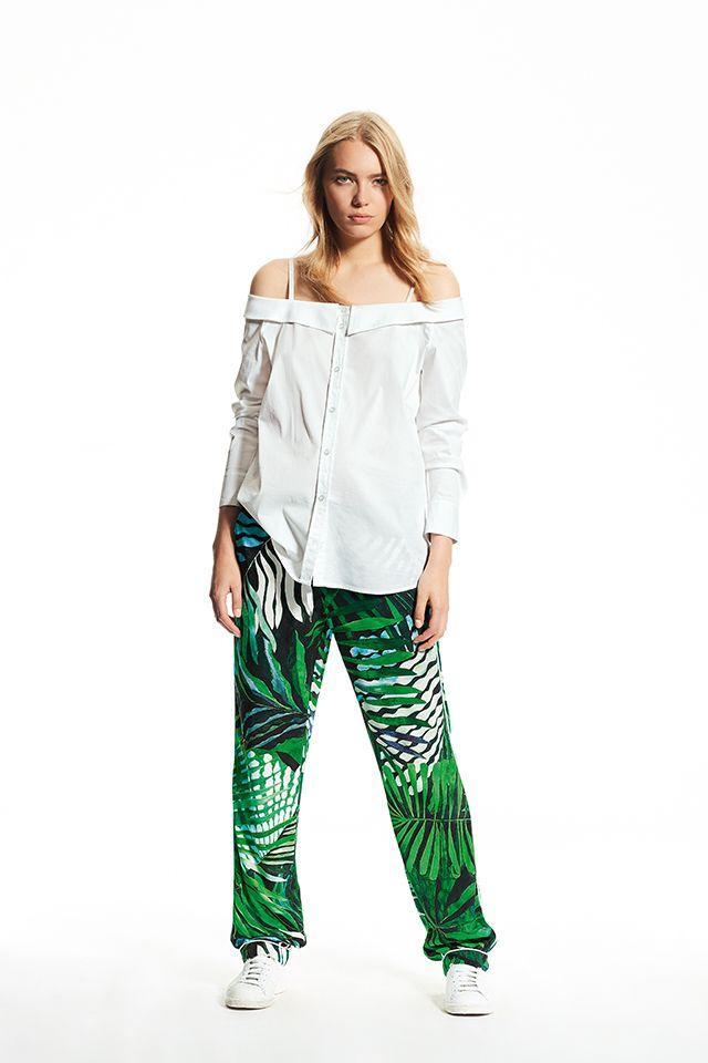 Off Shoulder Bluse + Pyjama Pants mit Alloverprint | Edle ...