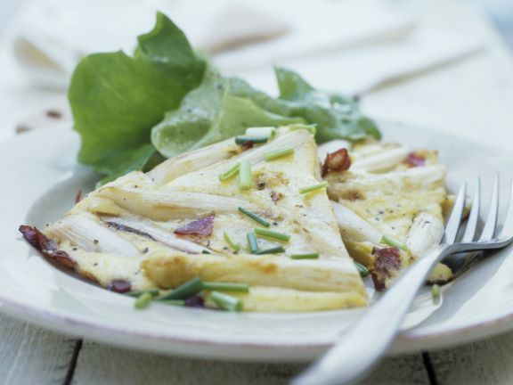 Käse-Spargel-Omelett nach spanischer Art ist ein Rezept mit frischen Zutaten aus der Kategorie Omelett. Probieren Sie dieses und weitere Rezepte von EAT SMARTER!