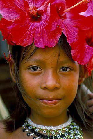 Joven Embera Indian, Parque Nacional del Bosque Soberanía, Panamá, América Central