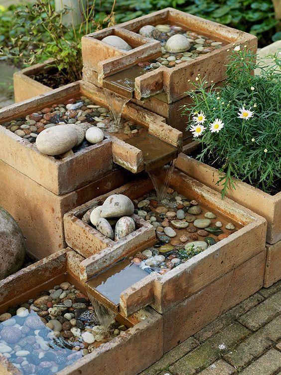 Pflastersteine, Ziegelsteine, Beton und Pflanzgefäße sind allesamt großartige