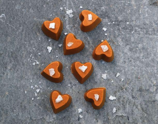 http://www.madogbolig.dk/jul/opskrifter/konfekt-karamelliseret-hvid-chokolade-med-havsalt