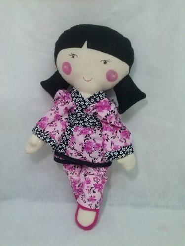boneca de pano japonesinha de quimono - boneca de tecido.
