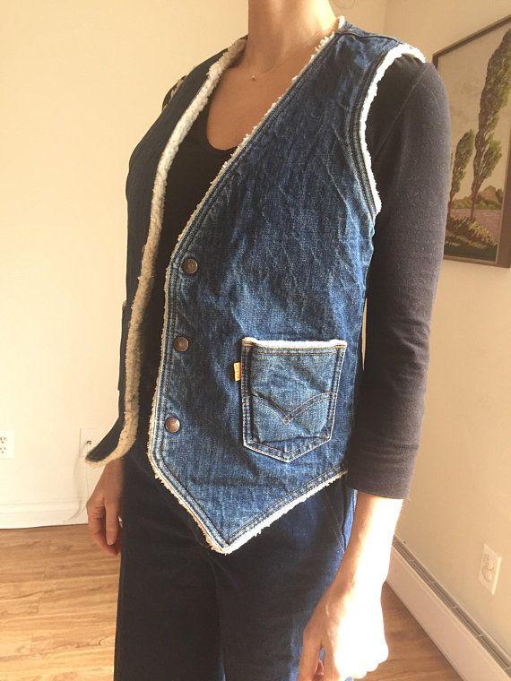 Vintage Levis Vest, Sherpa Lining, Denim Vest, Gilet, 1970s, Hippie Boho Bohemian, Fleece Lined Vest, Size Small, Snap Buttons, Levis Retro