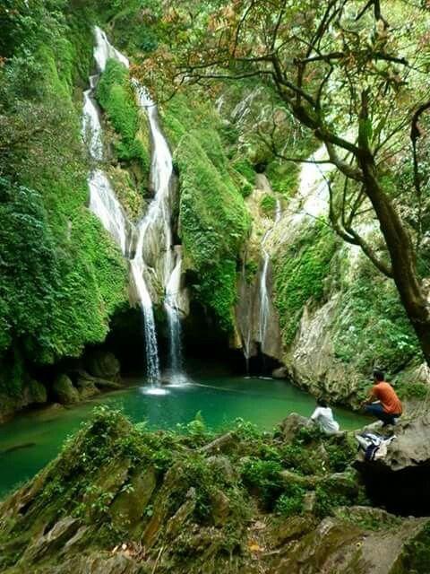 El salto del caburni Trinidad Cuba.