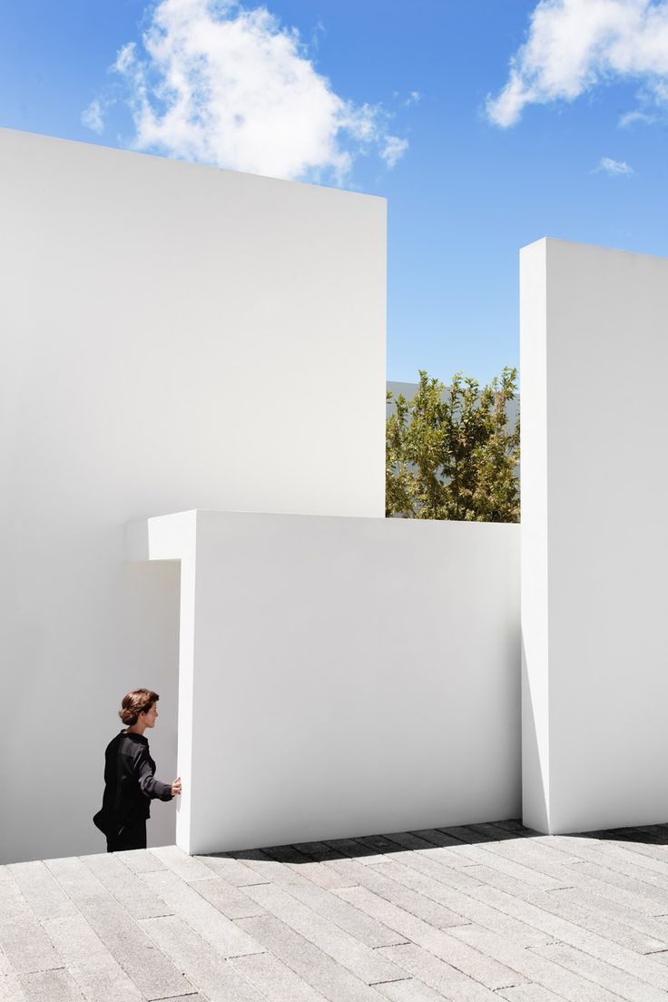 Domus aurea residence in mexico by alberto campo baeza bvs 169 - Roof Arranges Mexican Residence Around Red Oak Trees