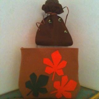 Carnevale all'asilo, tema il Bosco. Il cappellino/castagna coi bachetti e la borsetta per i coriandoli.