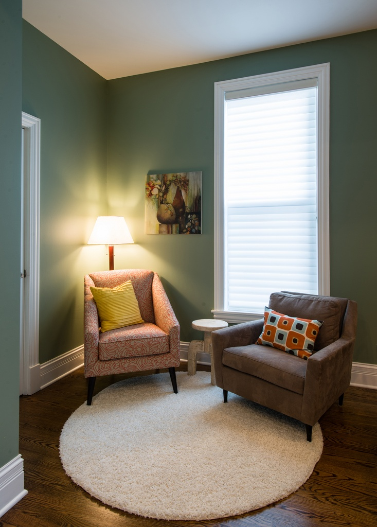 Sitting Room And Dining Room Designs: Sitting Area In Dining Room...