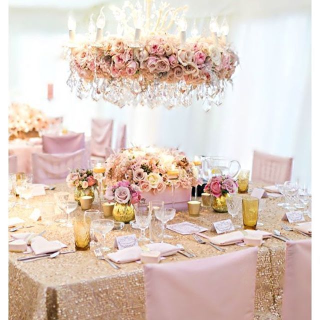 #flowerchandelier #floralchandelier #chandelier #freshflowers #pastelcolours #pinkflowers #pastelsflowers #wedding #weddingideas #weddinginspiration #yummilittletreats #eventplanner #weddingplanner #bridetobe #bridalshower #babyshower #pinkinspiration #pinkandsequin #weddingdecor #pinkandgold