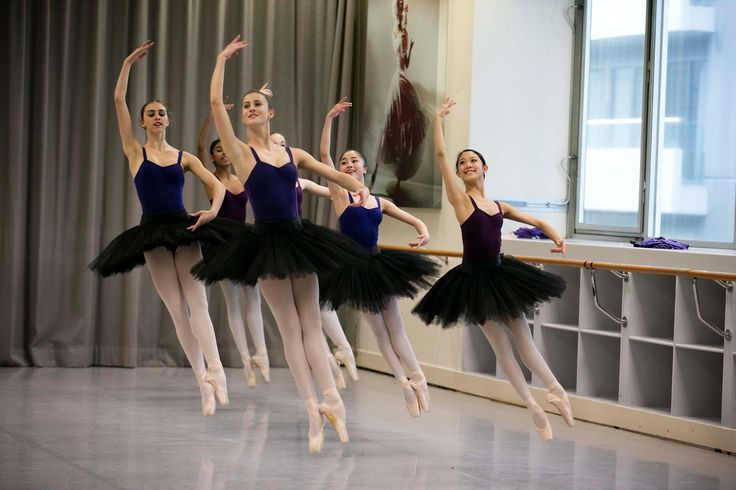 Students of The Australian Ballet School rehearsing for The Dancers Company tour 2015. Photo by Lynette Wills
