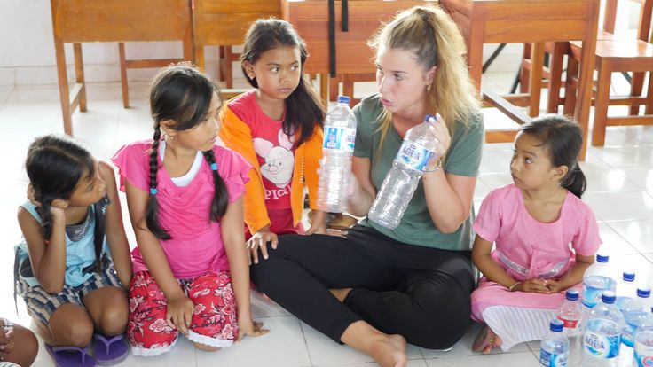 #workshop about how many bottles of water you should drink per day. #vpbali #volunteer #charity #ngo