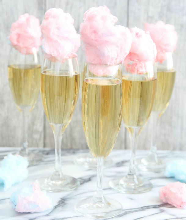 Cotton Candy Champagne Cocktail - not that I'd drink it but it looks terribly pretty!