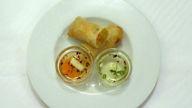 Lukáš má rád asijskou kuchyni a jarní závitky jsou prý jeho specialita, na kterou chodí i jeho známí.