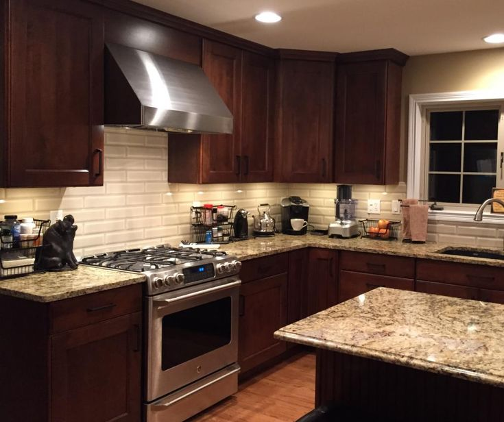 Kitchen Backsplash Cherry Cabinets: Cabinets: Mid Continent, Maple, Briarwood With Black Glaze