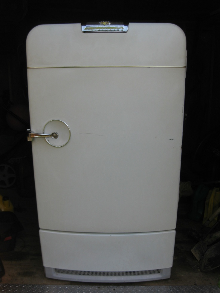 Vintage 1950 General Motors Frigidaire Retro Refrigerator