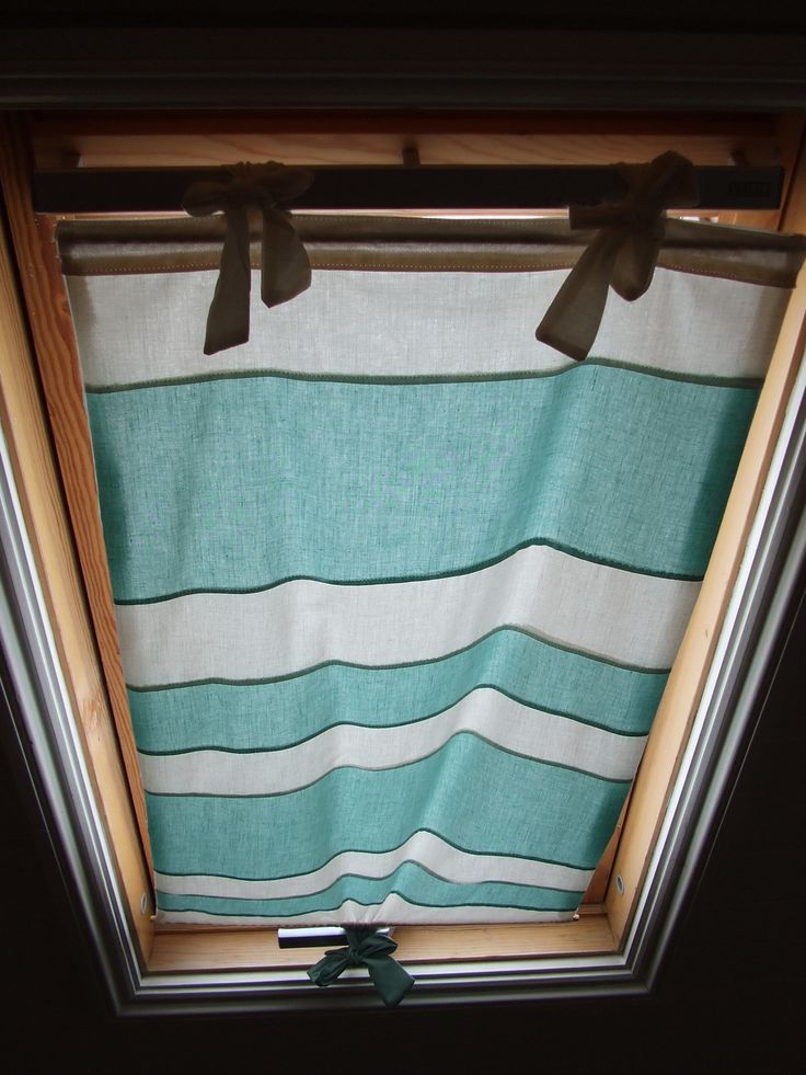Skylight Blind • Free tutorial with pictures on how to make a curtain/blinds in under 120 minutes