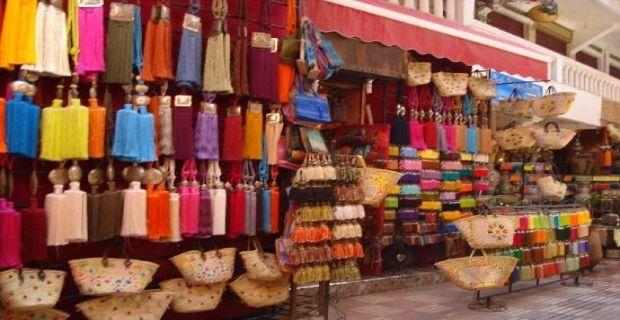 #Marrakech è soprattutto una città da guardare: i Giardini della Menara, le Tombe Saadiane, il Palazzo di Bahia, la Koutoubia e il Museo Dar Si Said, sono solo alcune delle bellezze che offre questa città.   Tour delle Città Imperiali con Enjoy Sardinia: controlla subito le prossime partenze sul nostro sito: http://www.enjoysardinia.net/index.php?page=details&id=92