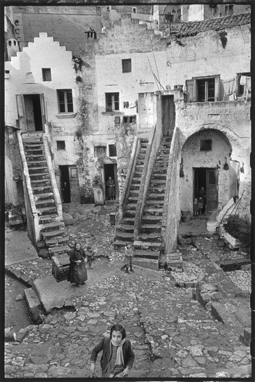 Henri Cartier-Bresson Pisticci. Basilicata. Italy (1951)