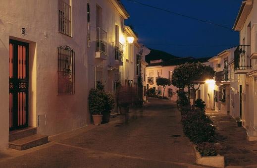 Rincones de Andalucía: calle de Benalmádena Pueblo (Benalmádena, Málaga) / Places of Andalucía: street of Benalmádena Pueblo (Benalmádena, Málaga)