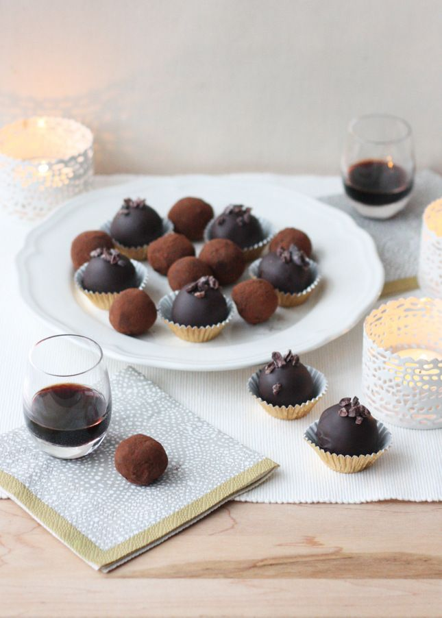 {Candy Week} Wild Blueberry and Blackcurrant Cream Truffles