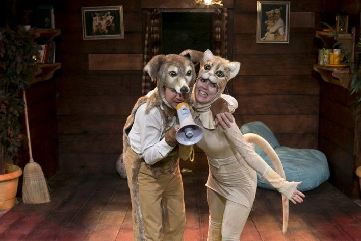 """Ένας """"Σκύλος με Σπίτι"""" ζει την περιπέτεια στο Θέατρο Σταθμός!"""