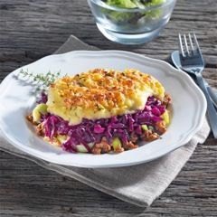 Ovenschotel met Rode Kool, aardappelpuree en rundergehakt. 4.5/5  makkelijk te maken, heerlijk om te eten. Zelf nog wat rozemarijn, peper aan het vlees toegevoegd en kaas aan de aardappelpuree.