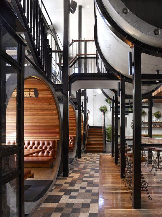 Prahran Hotelbar in Melbourne. Designed by Australian architecture studioTechne. Image © Peter Clarke.