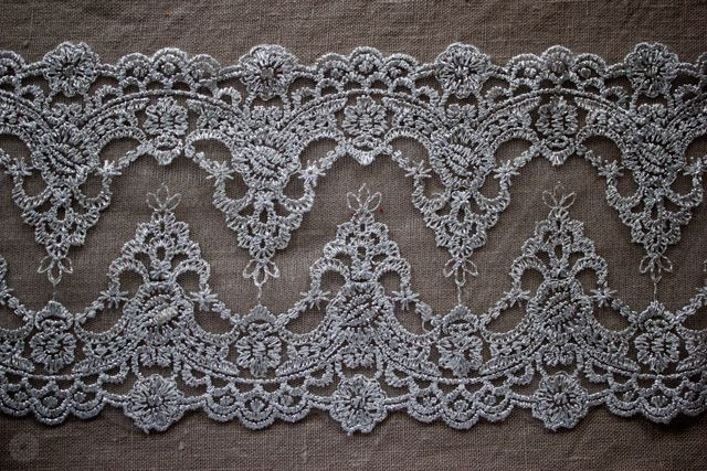 lace-and-linen-1_rumiram