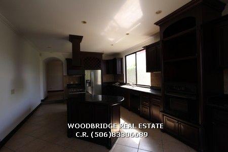 CR Santa Ana casa de lujo en alquiler en Parque Valle Del Sol $5.000 cocina y lavanderia equipadas. Woodbridge bienes raices Costa Rica mobile (506)83306689