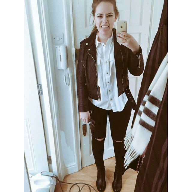 Tanya Burr Black leather biker jacket distressed jeans relaxed white shirt. I love this look!