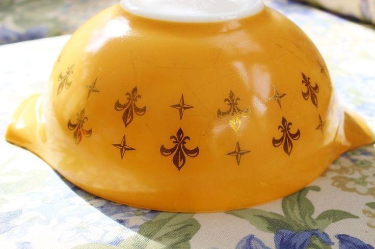 Rare Pyrex Cinderella 443 2 1/2qt Bowl Gold Fleur de lis unknown vintage pattern #Pyrex