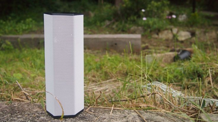 Creative Sound BlasterAxx Axx 200 review | Not just just a Bluetooth speaker, the Axx 200 is also a PC soundcard, a call recorder, a megaphone and a police siren. Reviews | TechRadar