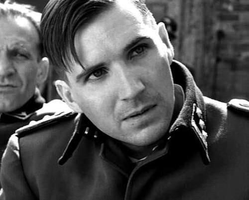 「シンドラーのリスト」では悪役のナチス将校を演じたレイフ・ファインズ