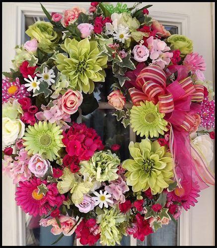 Wreaths: Decorative Door Wreaths, Luxury Christmas Wreaths - Luxury Summer Wreaths - Maplesville, AL