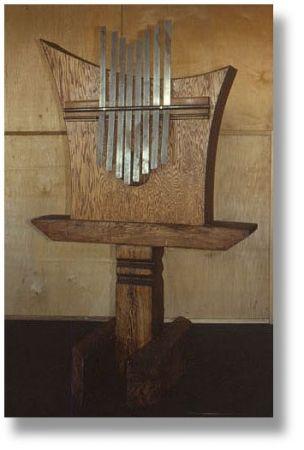 Giant kalimba by Michael et Sandy Bashaw #rareandstrangeinstruments #homemadeinstruments#sanza #instruments #music