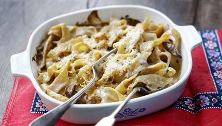 Baked pappardelle with pancetta and porcini. Bake pasta for a bubbling sharing-at-the-table dish. Can you resist the aroma of cheese, pancetta and porcini? Simple to make. Serve the dish piping hot at the dinner table and have extra cheese at the ready.