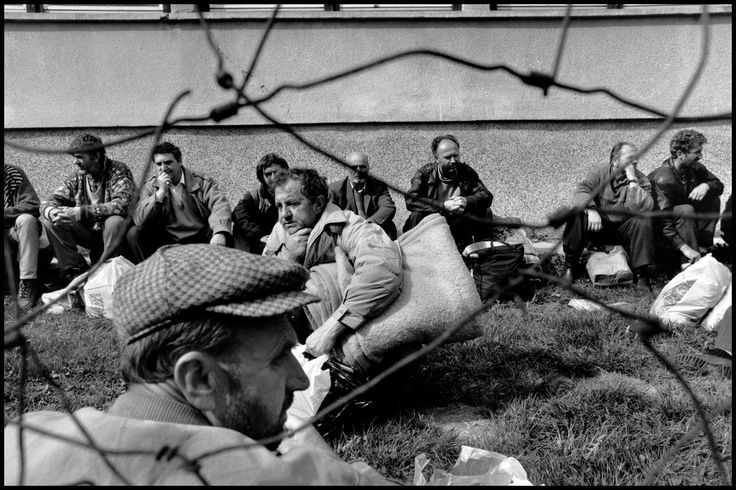 BOSNIA AND HERZEGOVINA. 1993. Prisoners near Vitez.