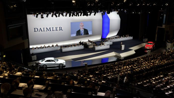 #Daimler to Stay the Course, Continues to Aim for the Top – #Zetsche http://www.benzinsider.com/2013/04/daimler-to-stay-the-course-continues-to-aim-for-the-top-zetsche/