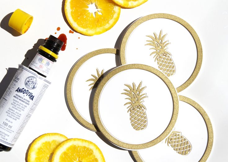 Cocktail time - Vessel Coasters Pineapple in White and Metallic Gold