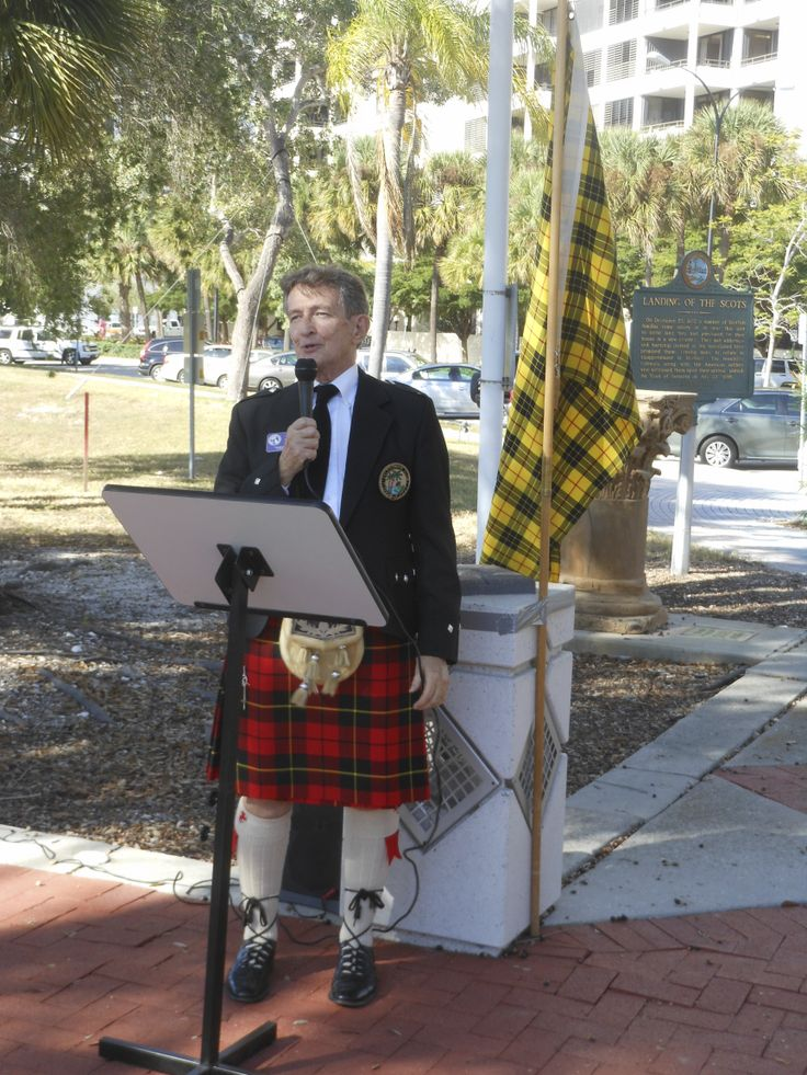 Former SCAS & Caledonian Club of Florida West President Bill Wallace provided the historic overview for the ceremony conducted Dec. 6, 2013 by Sarasota Mayor Shannon Snyder and members of the Caledonia Club of West Florida & Sister Cities Assn of Sarasota at the point of landing in 1885 of the Scot founders of the City of Sarasota