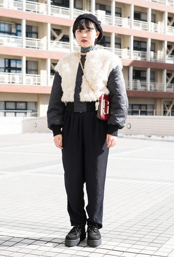 【キャンパス・パパラッチ DAILY】 Marc Jacobsのミニバッグがお気に入り、銘形周子さん