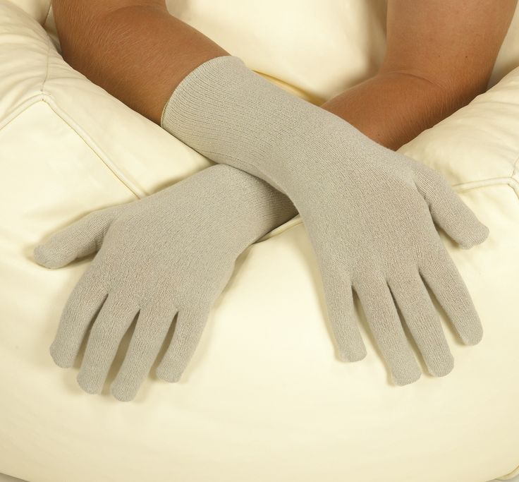Gloves in Silk