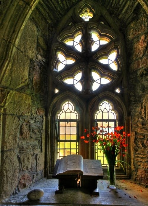 ironvalkyria:   Medieval, Iona Abbey, Isle of Mull, Scotland  photo via trisha
